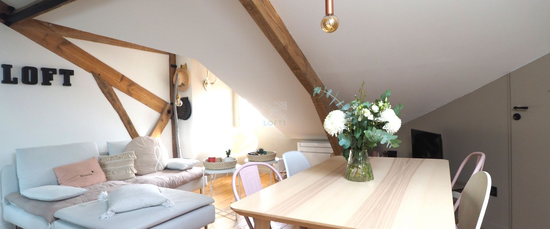 "CHARMING APARTMENT ""UNDER THE ROOFS"" IN THE CITY CENTER"