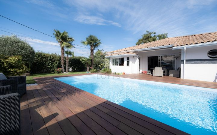 Contemporary house with swimming-pool in Gujan-Mestras - Swimming-pool