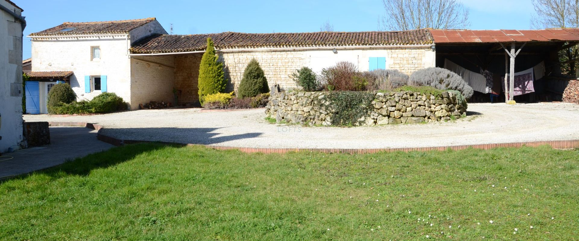 outbuildings property Royan