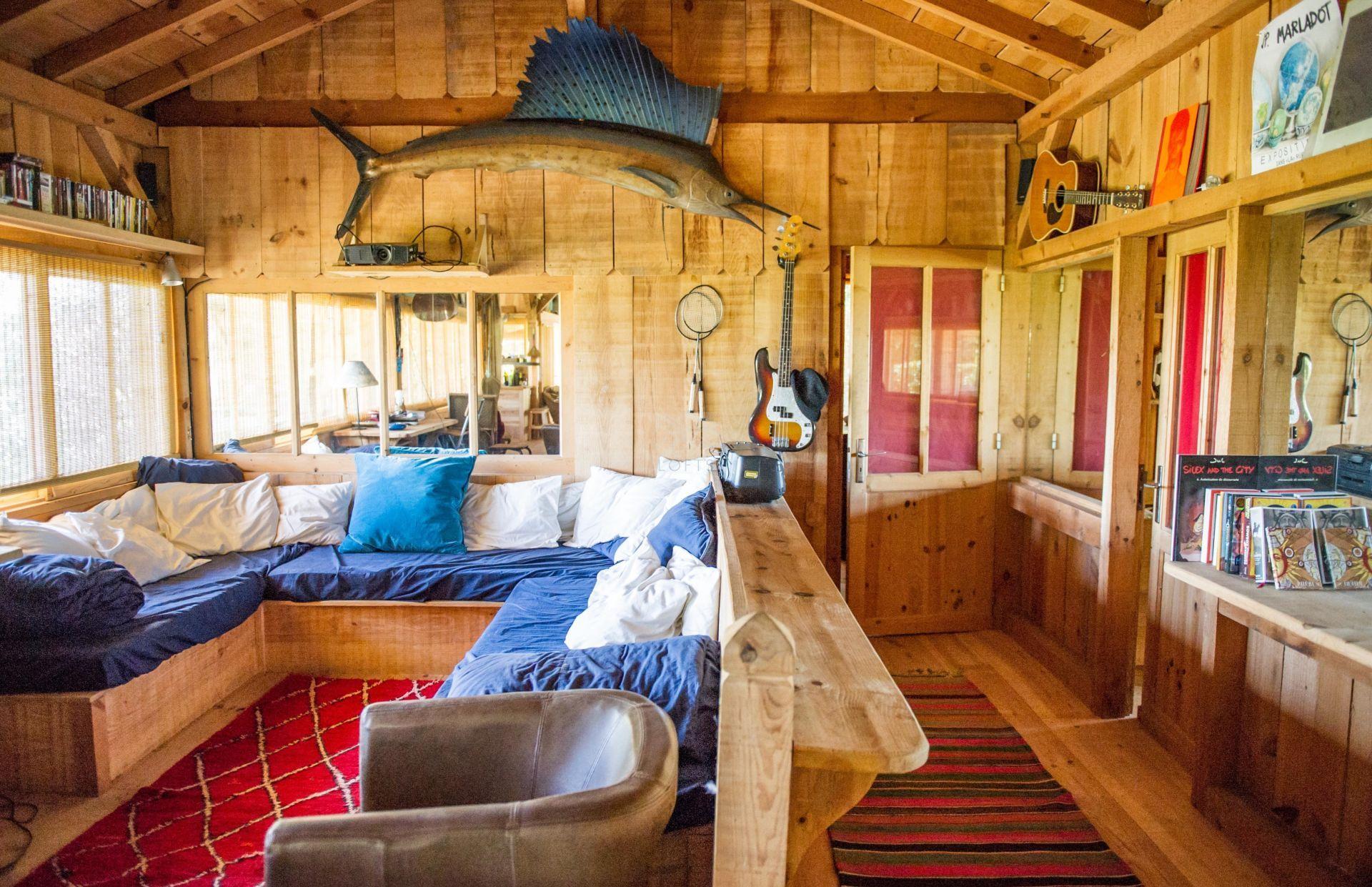 location saison cabane bartherotte en bois au cap ferret. Black Bedroom Furniture Sets. Home Design Ideas