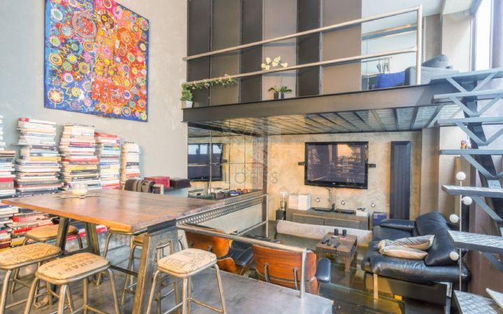 ateliers lofts associ s agence immobili re paris. Black Bedroom Furniture Sets. Home Design Ideas