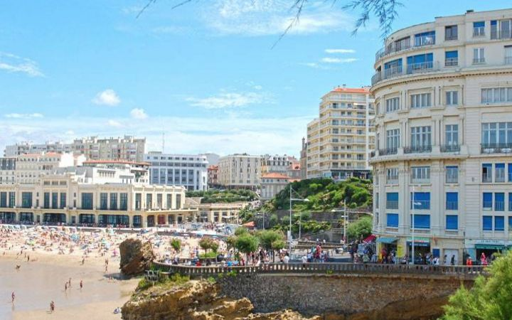 PROPERTY PRICES IN BIARRITZ