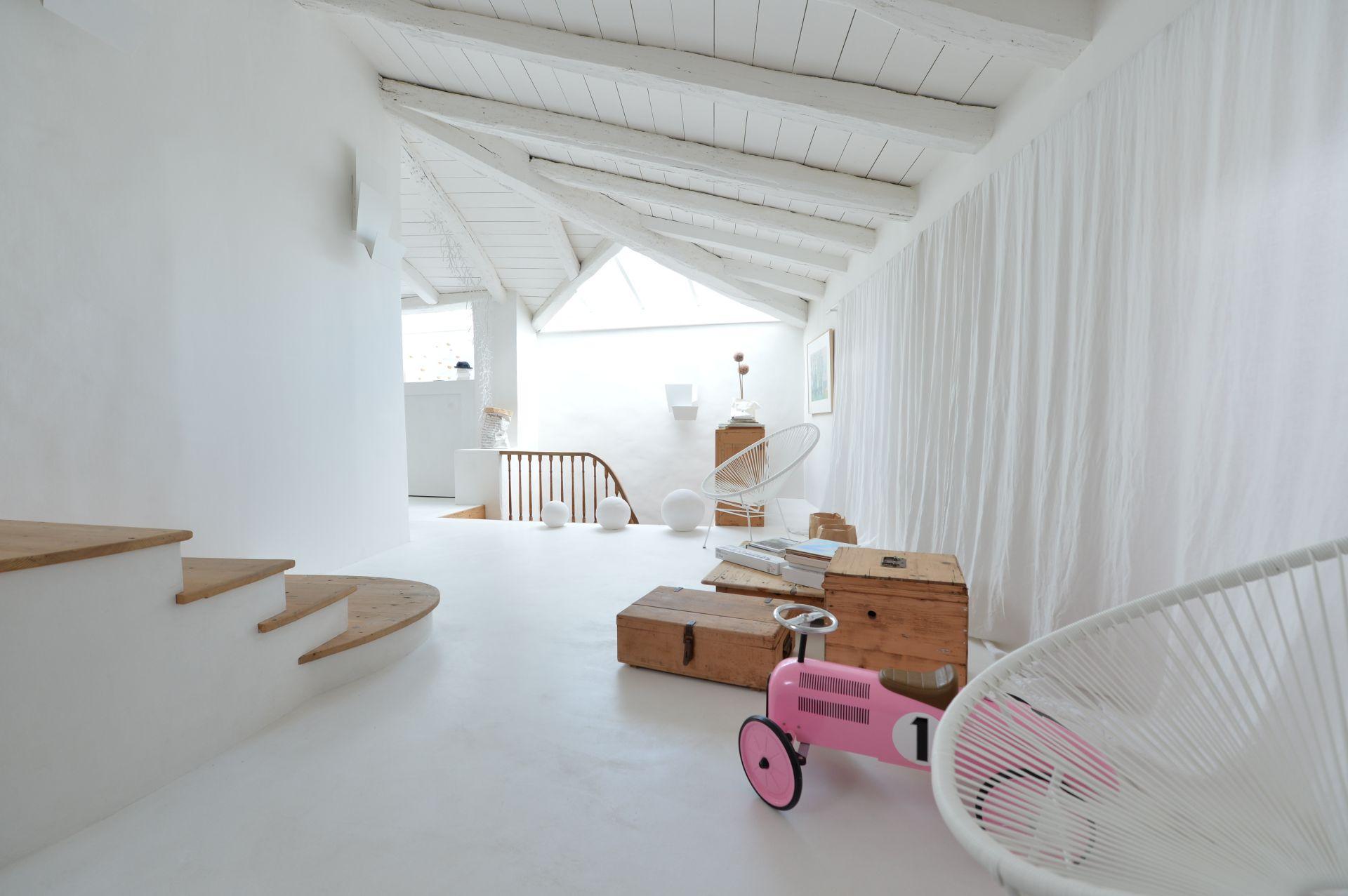 ateliers lofts associ s agence immobili re contemporaine. Black Bedroom Furniture Sets. Home Design Ideas